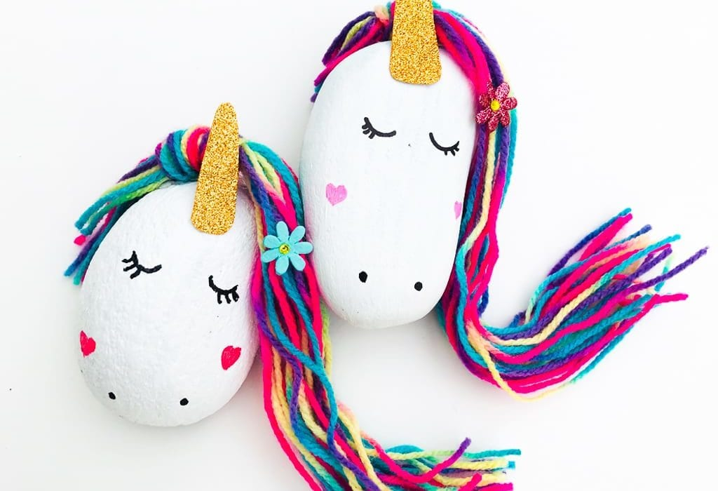 Magical unicorn stones - do this painted rock craft as a fun kids craft and make this unicorn project
