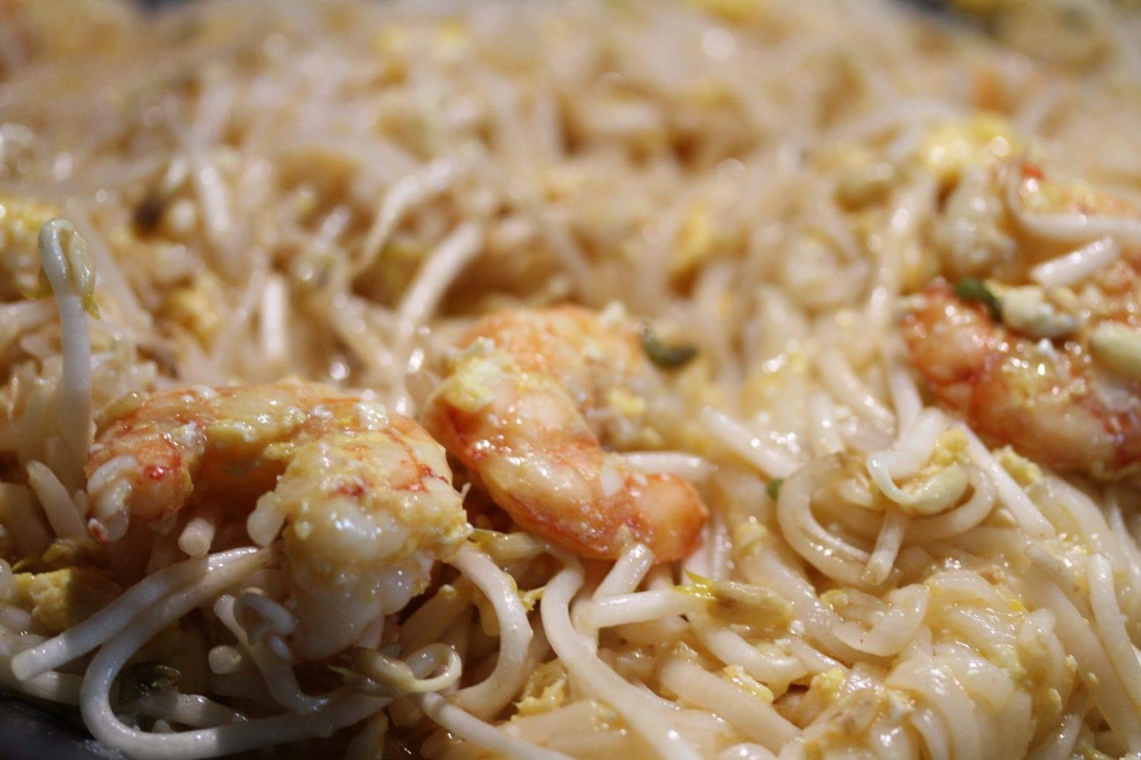Easy Pad Thai - family dinner recipes - stir it up