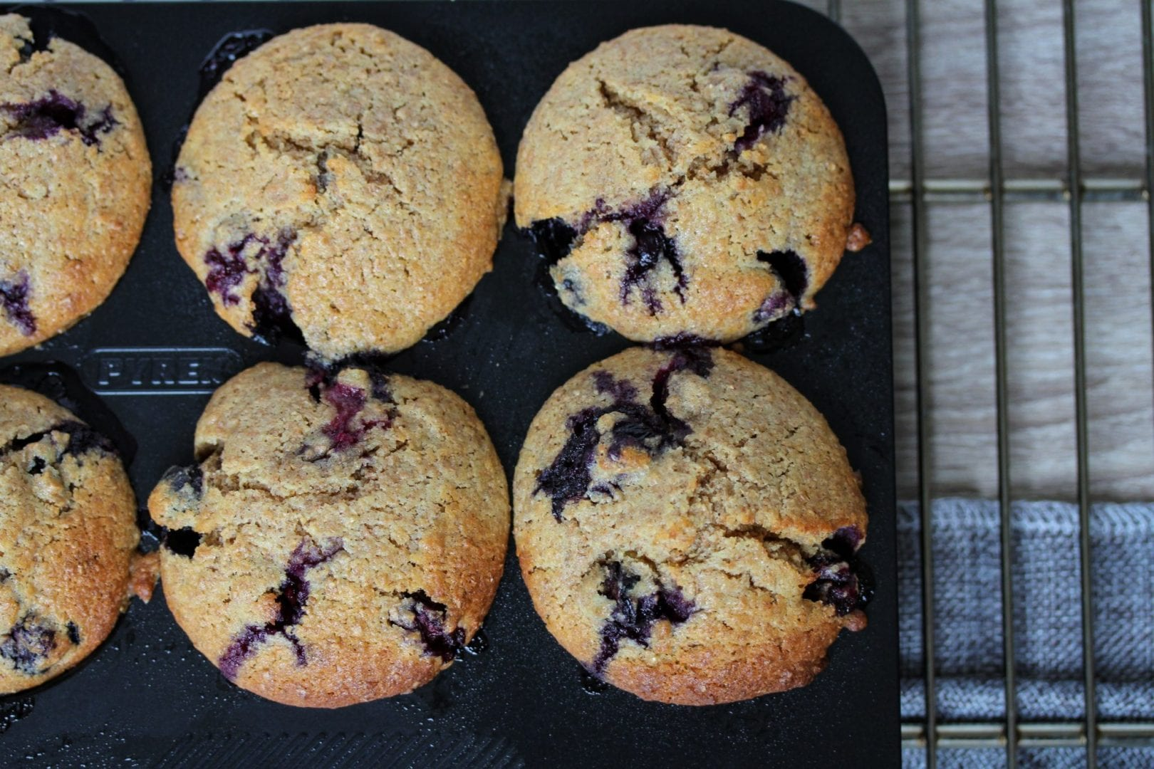 Blueberry muffins - wholewheat blueberry muffins - healthy blueberry muffins (30)