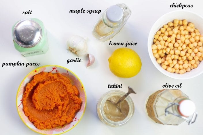 Sweet pumpkin hummus - make this creamy hummus recipe in just 5 minutes - for halloween parties or as a dip with a twist