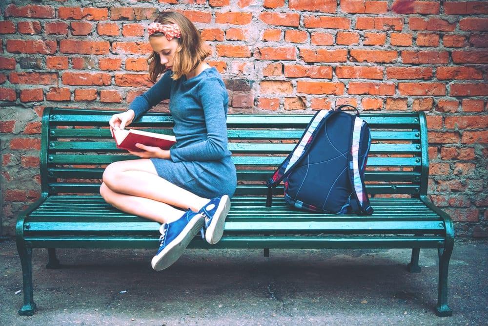 help teenagers - teen feeling like outcast