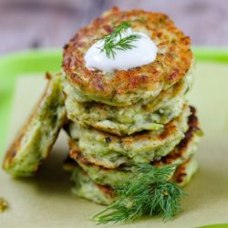 Kolokithokeftedes - Make tasty zucchini fritters for healthy toddler meals. These courgette fritters make healthy veggie burgers too.