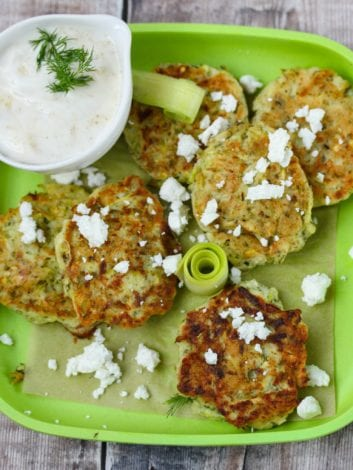 Kolokithokeftedes - Make tasty zucchini fritters for healthy toddler meals. These courgette fritters make healthy veggie burgers