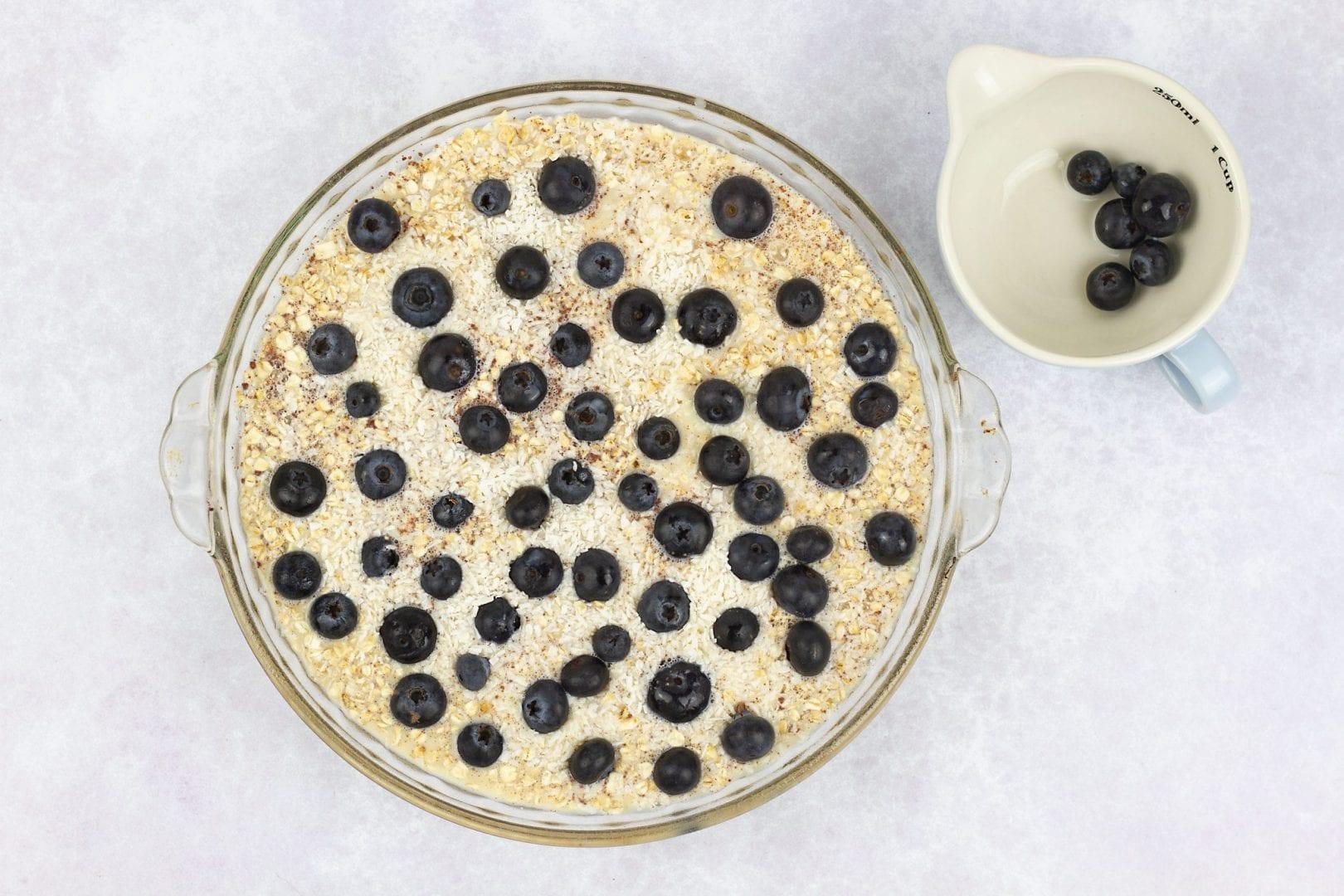 baked oats - porridge bake banana and blueberries - healthy breakfast recipes
