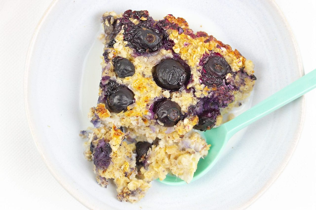 baked oats - porridge bake banana and blueberries - healthy breakfast recipes