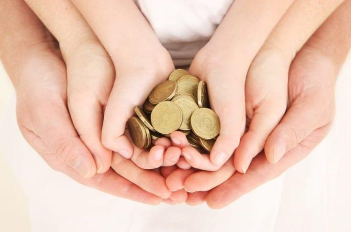 saving money - tips for saving money - family savings