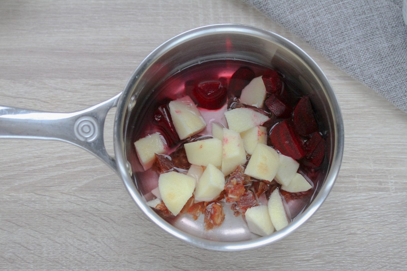 baby jam - apple and beetroot jam for baby Christmas dinners