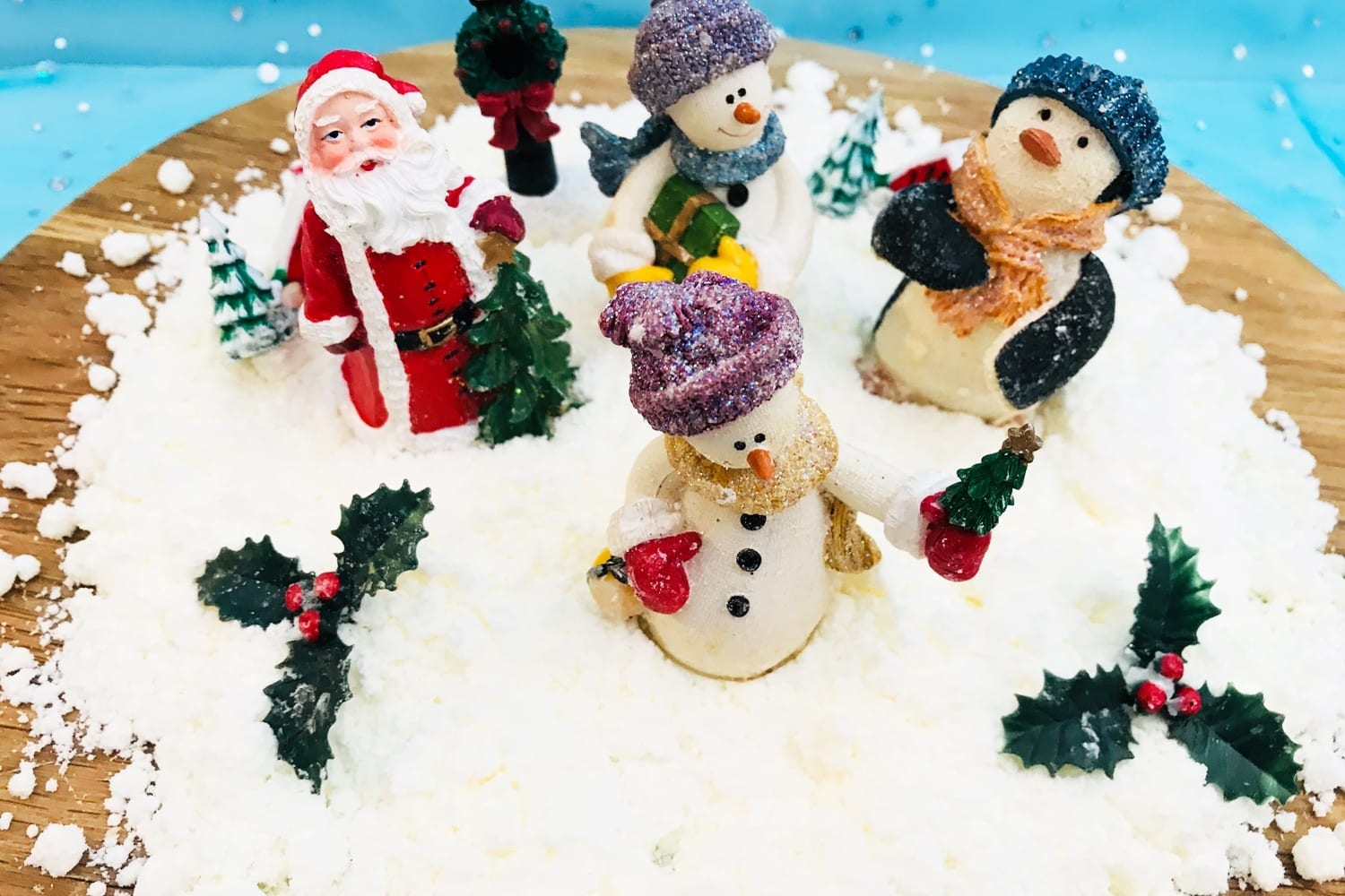 magical snow scene craft - enjoy this beautiful and easy Christmas craft with the kids