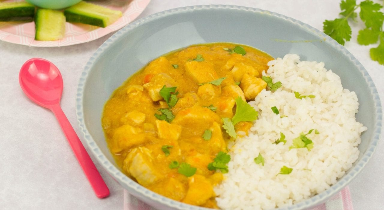 Kids chicken curry - enjoy this mild and creamy chicken curry made with lentils and fresh spices for a great family dinner