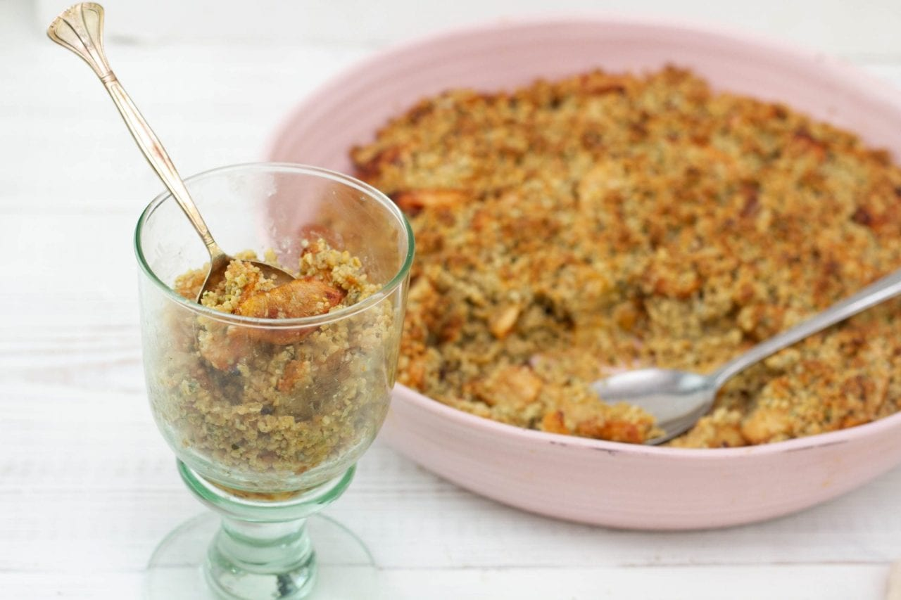 Sugar free apple crumble - healthy apple crisp free from sugar enjoy this vegan apple crumble
