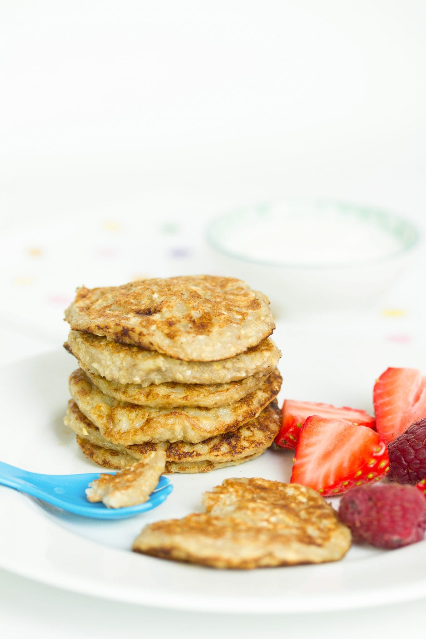 Baby banana pancakes, enjoy these delicious weaning pancakes made with just 3 ingredients. Gluten free, dairy free and added sugar free they are a perfect first food for baby