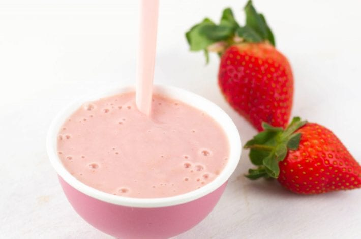 Banana and strawberry puree for baby - make this delicious no cook puree for and instant baby weaning breakfast