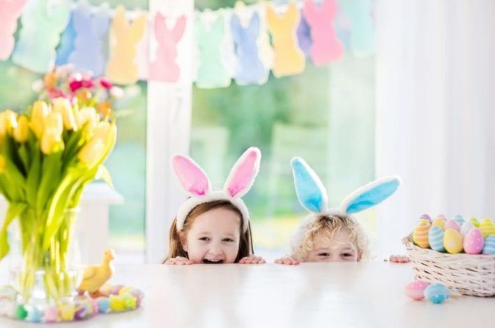 Indoor Easter egg hunts - Easter egg hunt clues - enjoy these free easter egg hunt clue printables