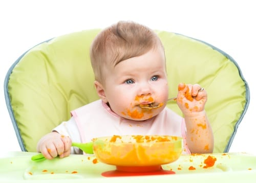 Why playing with food is good for baby - messy eaters - baby led weaning - learning by playing with food