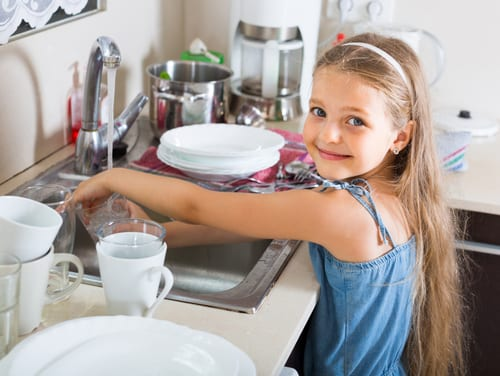 Happy kids do chores - why it's good for your kids to do household chores