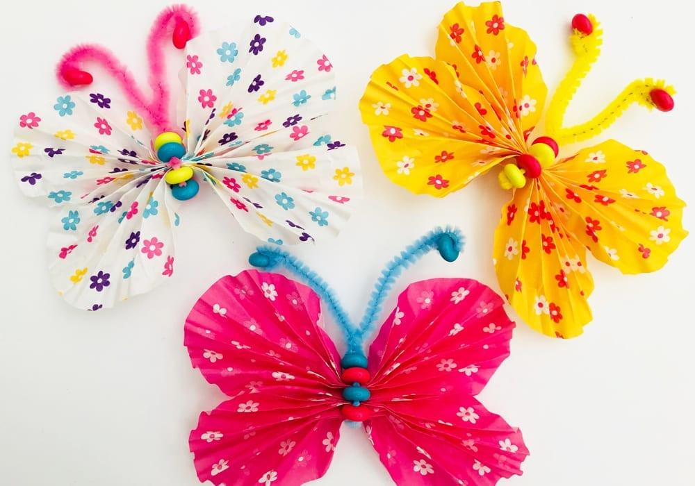 Cupcake liner butterflies that take just 5 minutes to make. A fun spring craft that kids can enjoy.