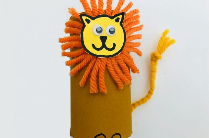 Proud paper roll lions - craft for kids
