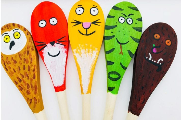 Gruffalo story spoons - a wonderful spoon craft for the kids with all the characters from the Gruffalo