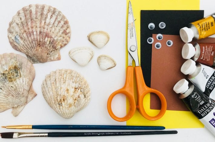 Easy seashell crafts - paint these little seashell pups - a great summer craft for kids