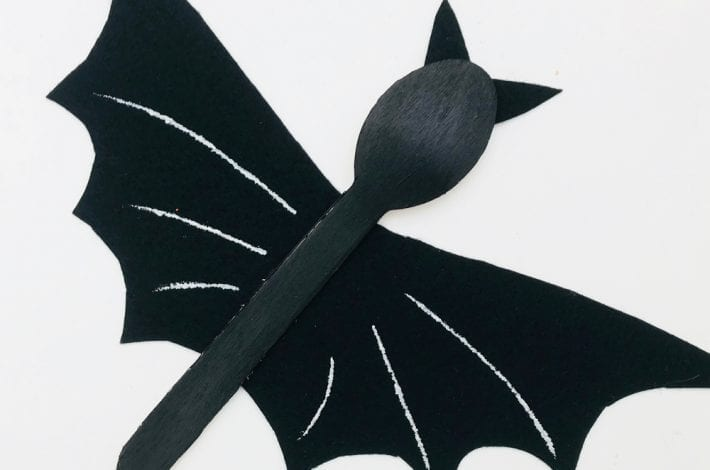 Super Halloween activity with this wooden spoon bat craft. Enjoy making these with the kids this year as a fun Halloween craft which also makes for great Halloween decorations