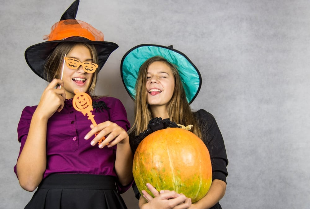 Check out these awesome Halloween party games for tweens and Halloween party games for teens, for wickedly fun Halloween activities everyone can enjoy