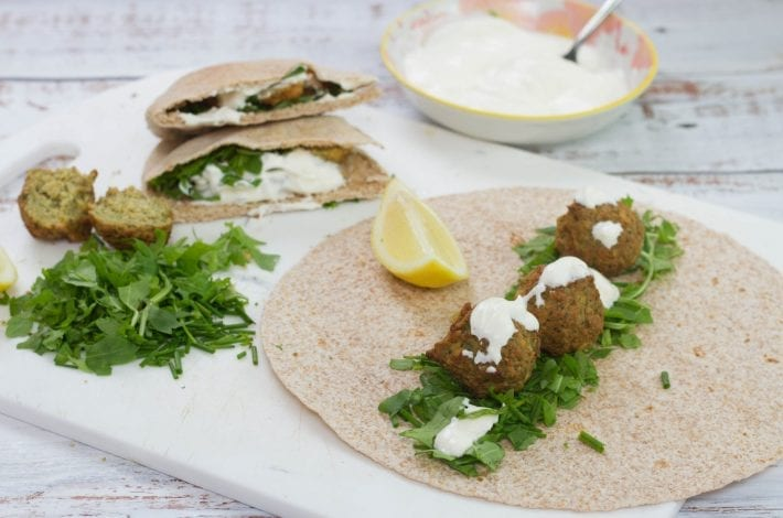 Make these easy falafel pitta pockets for your next packed lunch. They go great with hummus or a yogurt dip