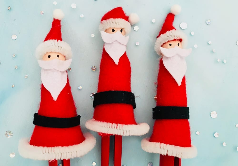Make these Santa peg dolls as a fun Christmas craft to enjoy with the kids this year. Made with dolly pegs, felt, paint and glue.