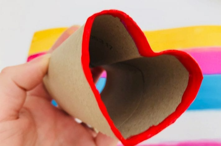 Make heart shaped stamps with the humble toilet roll and send your loved ones a beautiful Valentines card
