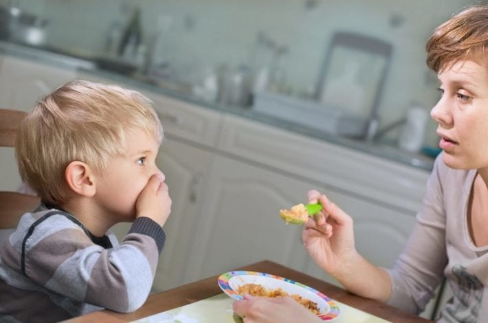 Picky Eating Disorder - is your child a fussy eater or is he suffering from these picky eating disorders