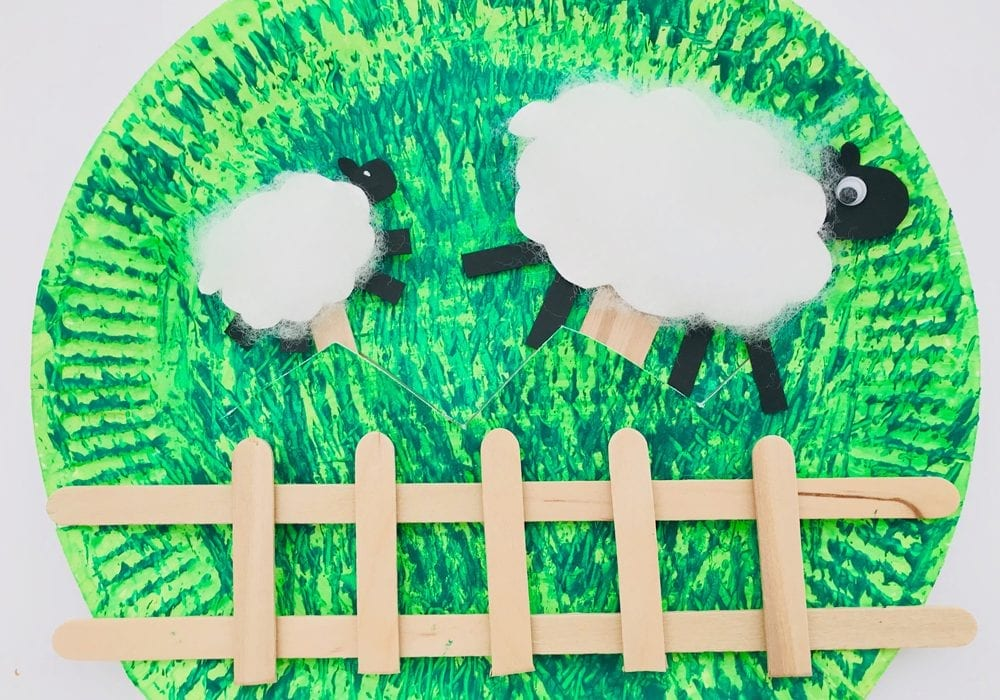 Paper plate sheep - make this fun paper plate craft for farm animals. Try counting sheep together as they move along the paper plate.