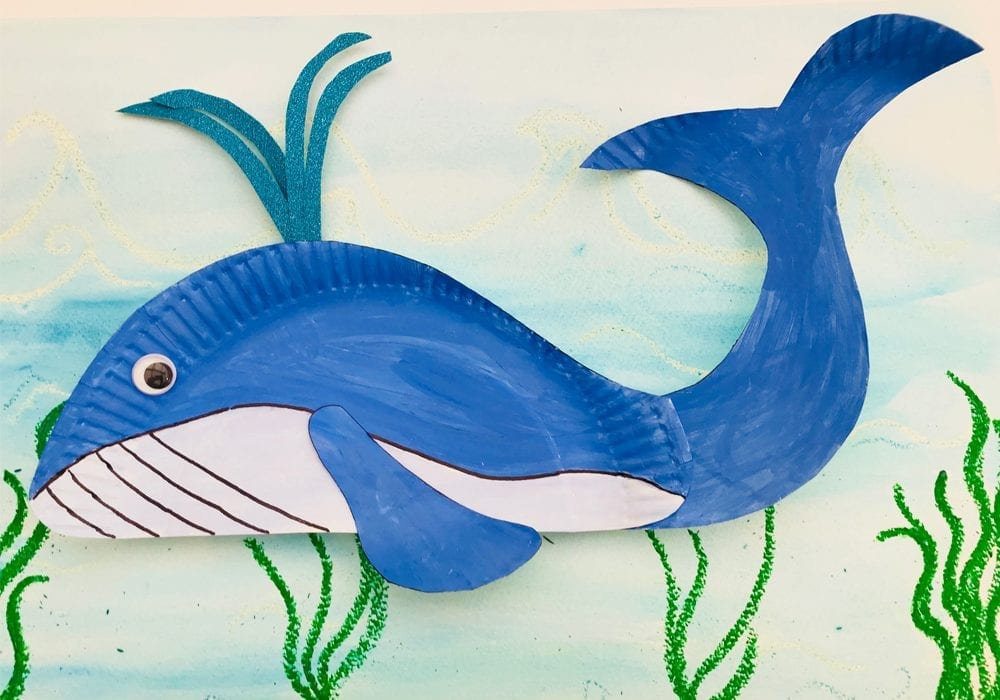 Fun blue whale craft for kids - a great whale paper plate craft for kids and playtime learning activity about whales and ocean animals