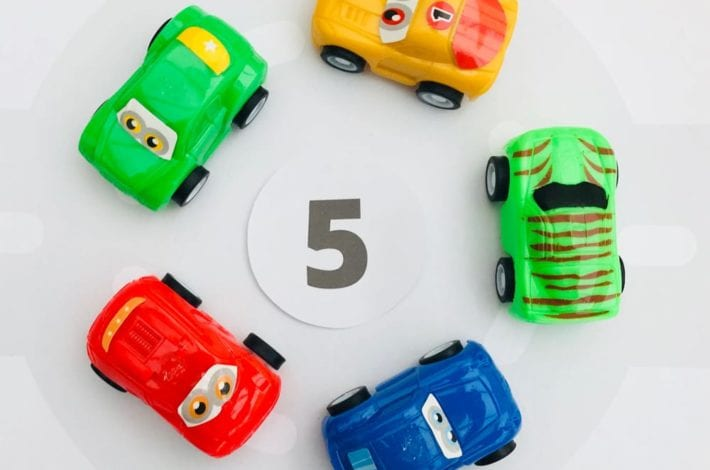 Counting for toddlers - learn to count to 10 and learn first numbers with this fun car activity - fill the busy roundabout with cars to play this numbers game