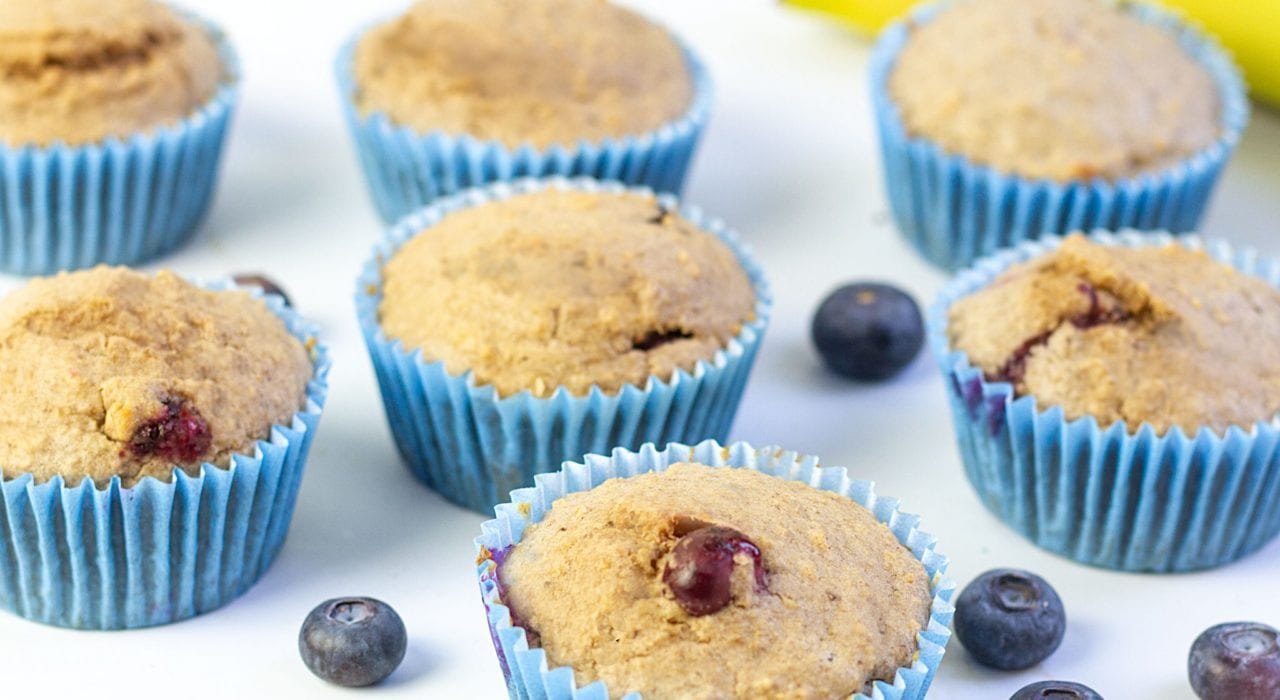 Blueberry muffins for baby - banana blueberry and oatmeal muffins - baby led weaning breakfasts - blw muffins