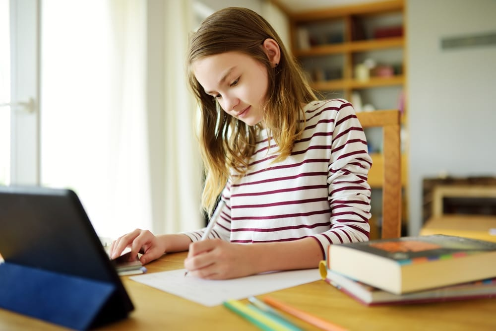 Parenting hacks to help kids focus and kids study at home - during homeschooling and distance learning due school closure