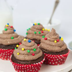 Secretly healthy chocolate cupcakes - chocolate fairy cakes - refined sugar free chocolate cupcakes