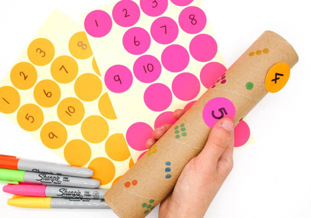 count and match - fun cardboard roll counting activity for kids - number recognition games - cardboard tube counting (2)