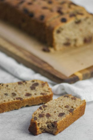 Quinoa flour banana bread - healthy snacks and desserts for kids and family - easy healthy banana bread