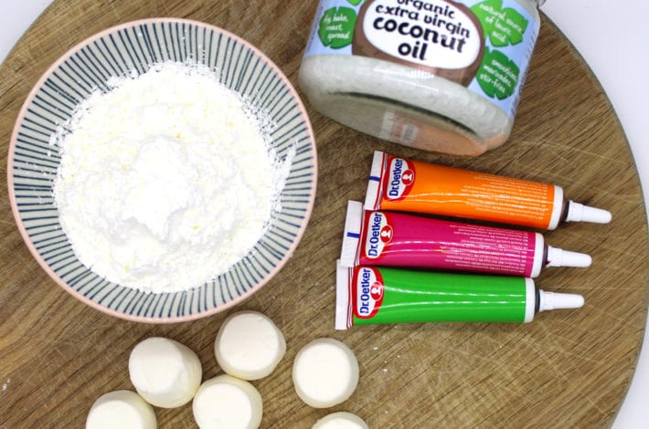 Edible marshmallow playdough - make easy 3 ingredient edible playdough - great toddler activity